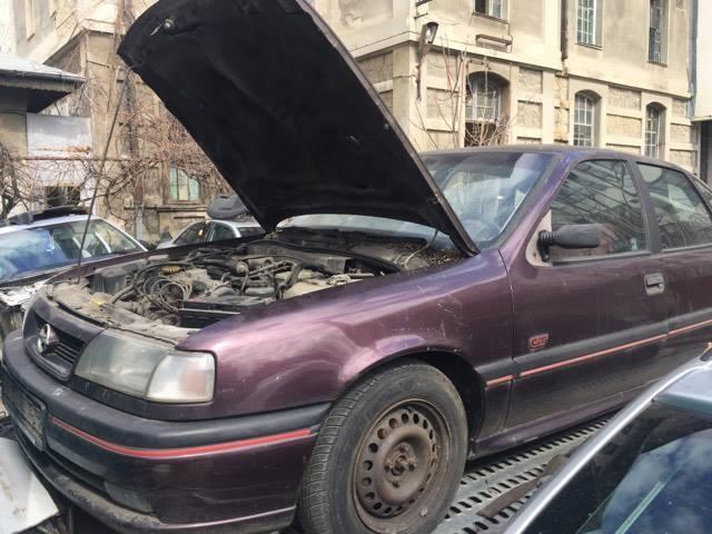 Dezmembrez Opel VECTRA A 2.0GT