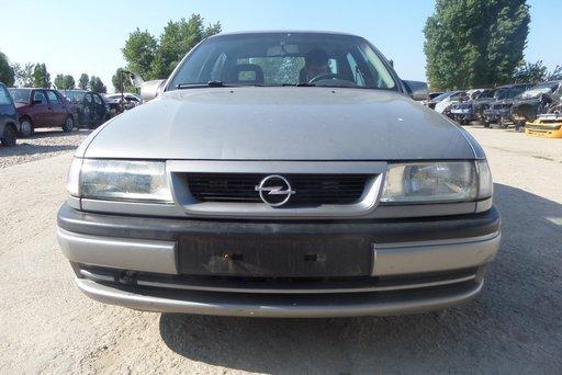 Dezmembrez Opel Vectra A DIN 1993