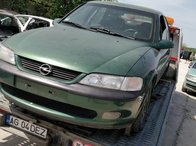 Dezmembrez Opel Vectra B 1.6 16v din 2001