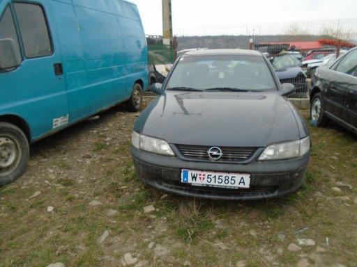 Dezmembrez Opel Vectra B , 1996 , 1,8 B , 16 V