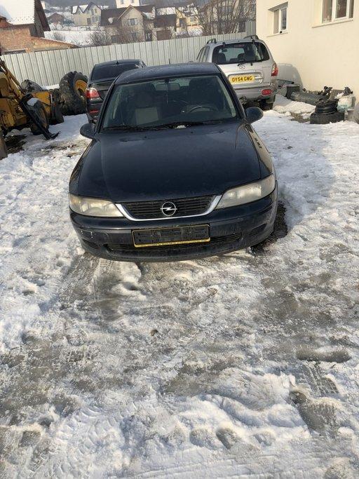 Dezmembrez Opel Vectra B 2.0 DTI 2001