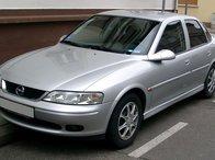 Dezmembrez Opel Vectra b 2.0 TDi 2001