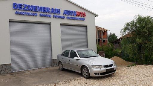 Dezmembrez Opel Vectra B 2000 Berlina 2.2 TDI