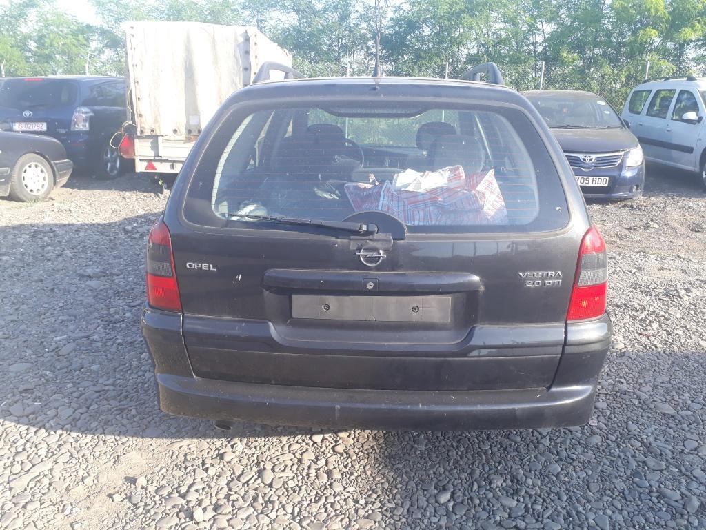Dezmembrez Opel Vectra B 2001 breack 2,0