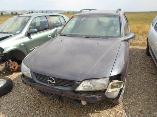 Dezmembrez Opel Vectra B caravan 1.6 16v an 1997