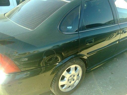 Dezmembrez Opel Vectra B model 2001