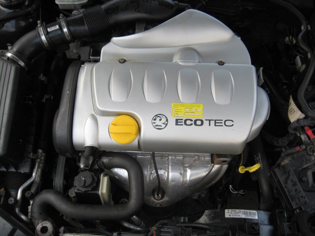 Dezmembrez Opel Vectra B2 an 2001 125 CP motor Z18XE caravan
