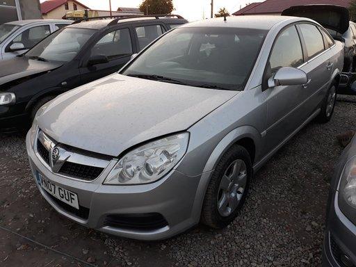 Dezmembrez Opel Vectra C 1.9 CDti anul 2007