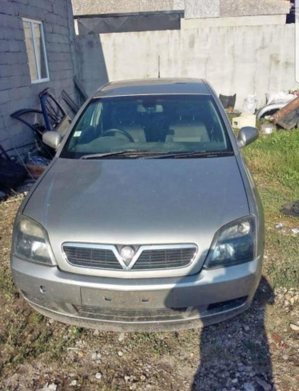 Dezmembrez Opel Vectra c 2.2 benzina