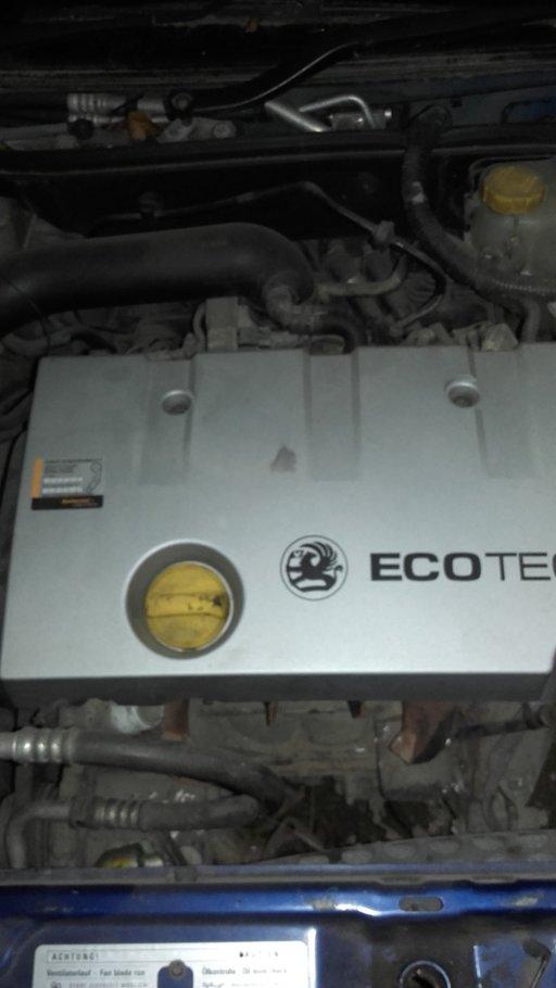 Dezmembrez Opel Vectra C 2003 hatchback 1.8 sxi 16 v