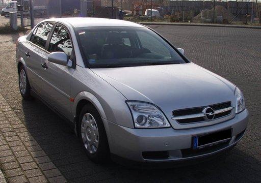 Dezmembrez Opel Vectra C motor 2.0 DTI