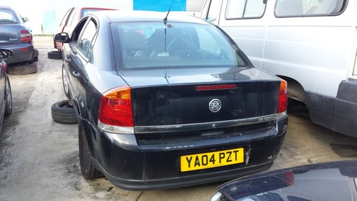 Dezmembrez Opel Vectra, motor 1.9 diesel, an 2003