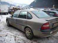 Dezmembrez Opel Vectra