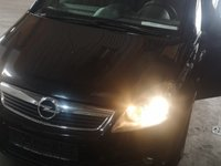 Dezmembrez Opel Zafira B 1.9cdti