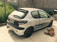 Dezmembrez Peugeot 206 an 1999 motor 2.0 benzina