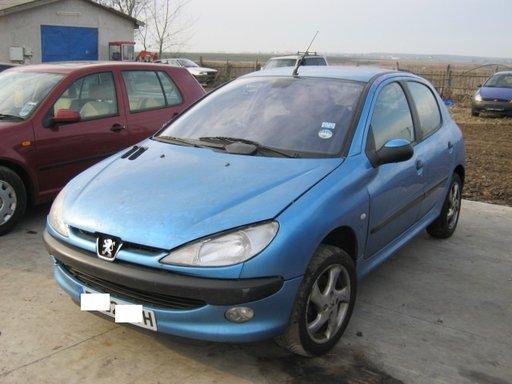Dezmembrez Peugeot 206 din 2002, 1.6b,