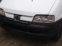 Dezmembrez Peugeot Boxer 2005 duba 2.2 hdi