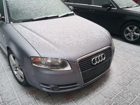 Dezmembrez piese Audi a4 b7 2.0tdi 140 cp blb bre
