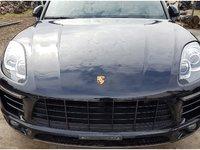 Dezmembrez Porsche Macan