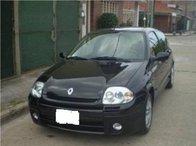 Dezmembrez Renault Clio 1.9 an 2000