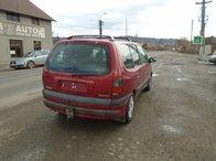 Dezmembrez Renault Espace 2.2 DCI din 2001