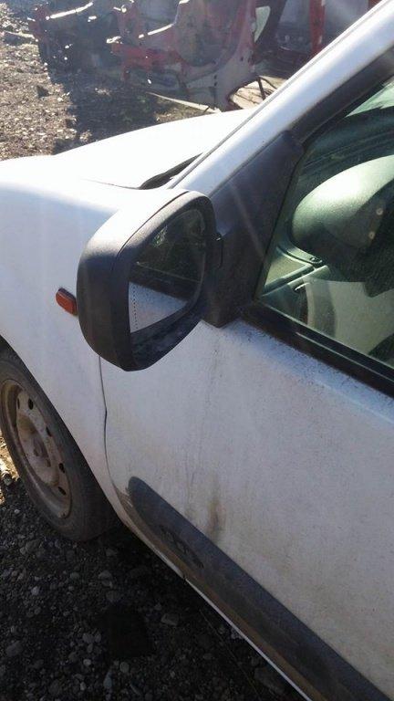Dezmembrez Renault Kangoo, 1.9d, an 2000