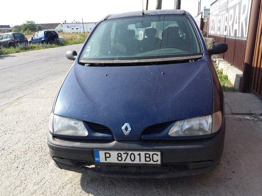 Dezmembrez Renault Scenic 2000 HATCHBACK 1.9