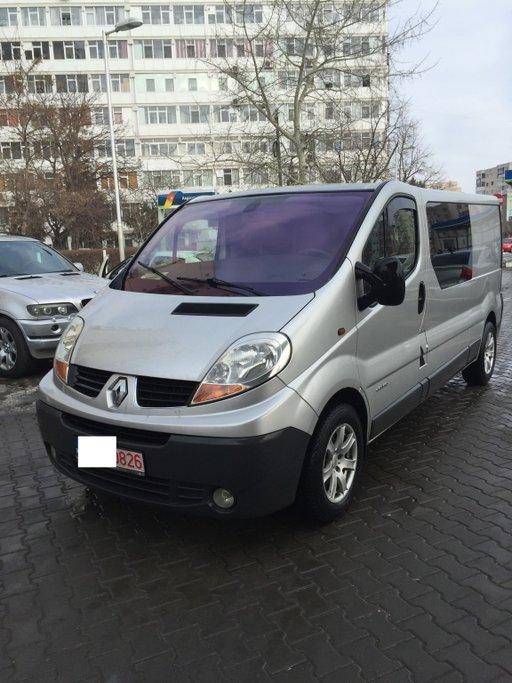 Dezmembrez Renault Trafic 2.0 dci M9R