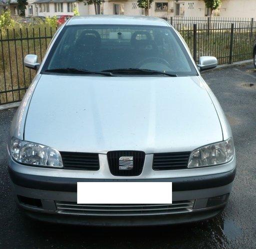 Dezmembrez Seat Ibiza 2004 1.4 Benzina volan pe st
