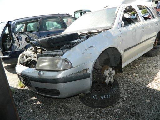 Dezmembrez Skoda Octavia 1 Combi din 2002