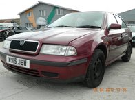 Dezmembrez SKODA OCTAVIA model masina 2001 Oradea