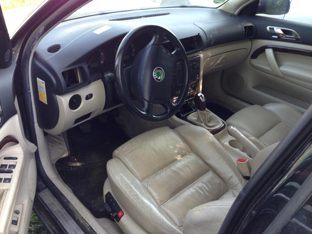 Dezmembrez Skoda Superb 2005 Sedane 1.9 TDI