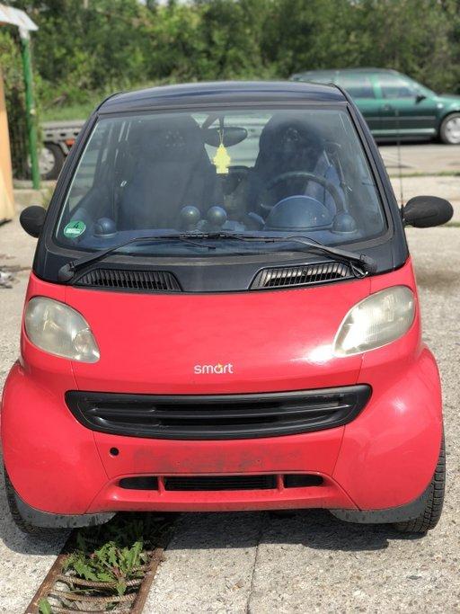 Dezmembrez Smart Fortwo CityCoupe 0.6 benzina