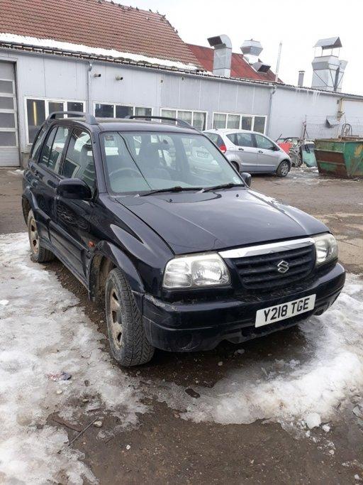 Dezmembrez Suzuki Grand Vitara 2.0 benzina an 2001