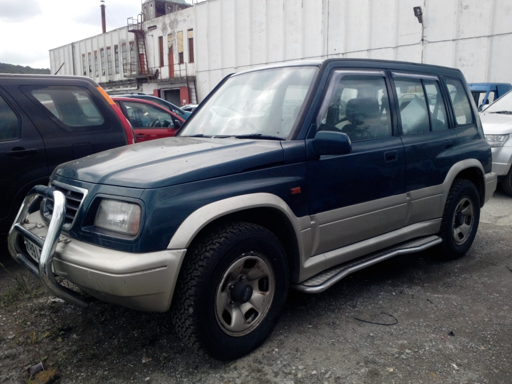Dezmembrez Suzuki Vitara, 2.0 benzina, V6,an 1999, manual