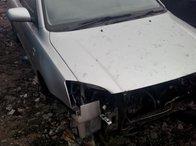 Dezmembrez Toyota Avensis 2.0td 116cp din 2003