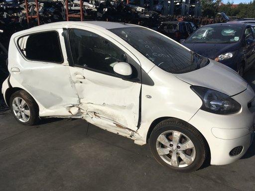 Dezmembrez Toyota Aygo 2011 hatchback 1.0