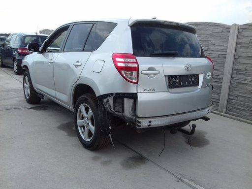 Dezmembrez Toyota RAV 4 XA30 2.2 D4D cod 2AD-FTV 150 Cp 2011