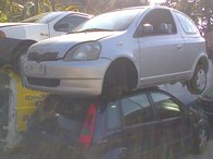 Dezmembrez Toyota Yaris 2003