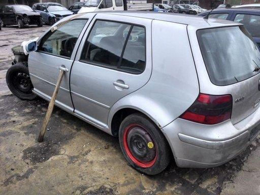 Dezmembrez Volkswagen Golf 2000,1900 cm