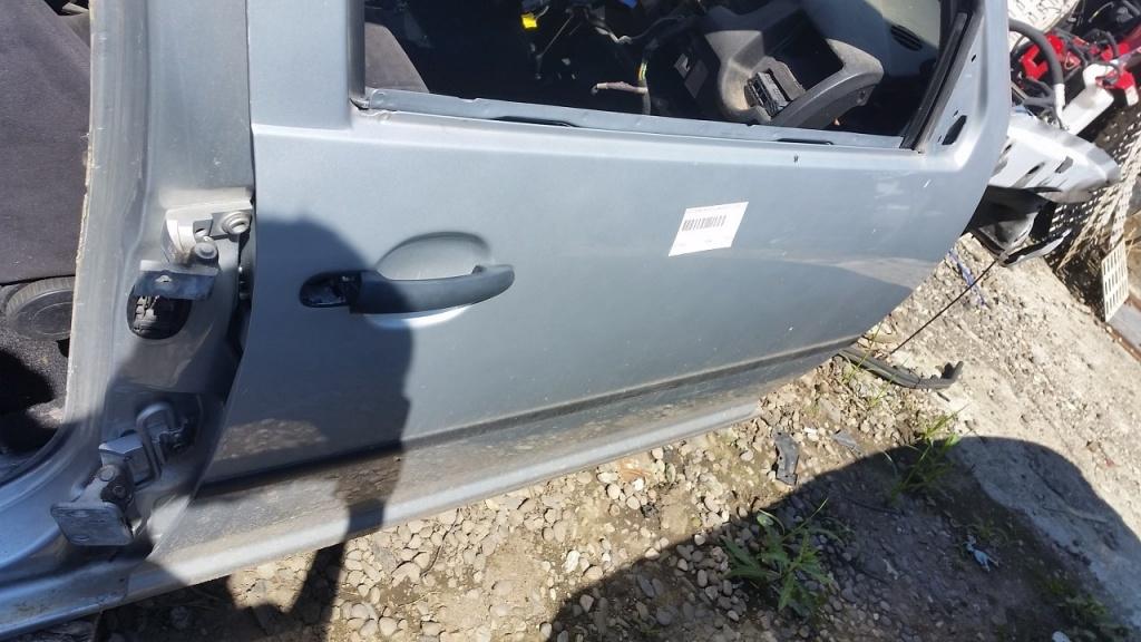 Dezmembrez Volkswagen Golf 4 1.4 16V 55kw 75cp 2000