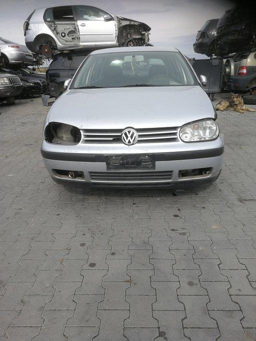Dezmembrez Volkswagen Golf 4 2001 HATCHBACK 1390