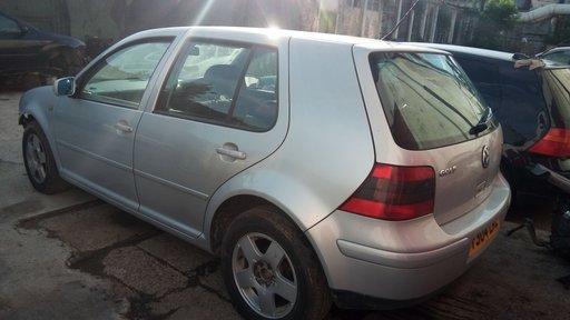 Dezmembrez Volkswagen Golf 4 2001 hatchback 4 usi scurt 1.8 20v 125cp