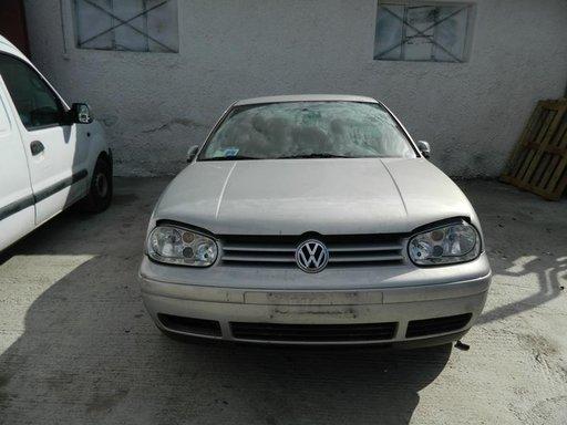 Dezmembrez Volkswagen Golf 4 - 2002
