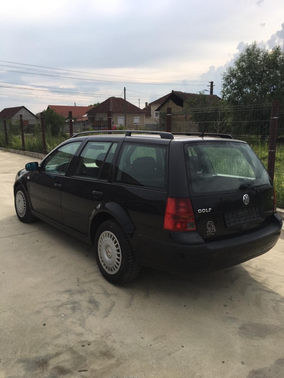 Dezmembrez Volkswagen Golf 4break, 1.4 16valve, an 2001