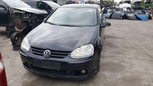 Dezmembrez Volkswagen Golf 5 2005 Hatchback 2.0 TDI