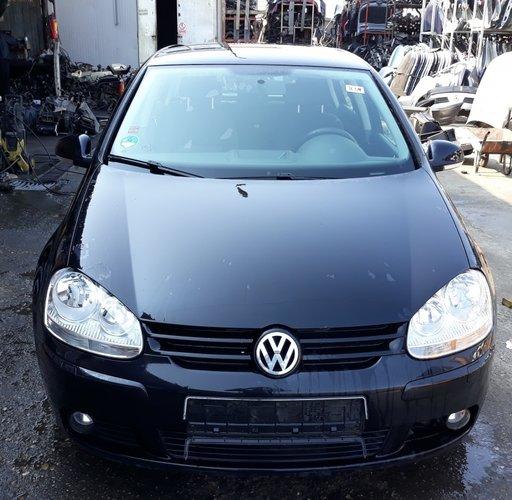 Dezmembrez Volkswagen Golf 5 2006 hatchback 1.9 td