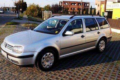 Dezmembrez Volkswagen Golf IV ,an 2002
