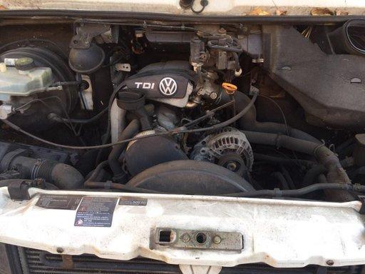 Dezmembrez Volkswagen LT 2.5 2005