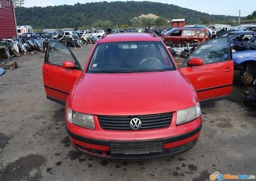 Dezmembrez Volkswagen Passat 1.9 AJM 1999